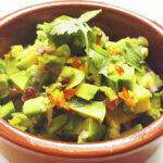 Der beste Avocado-Dip mit Koriander, Limette und Chili