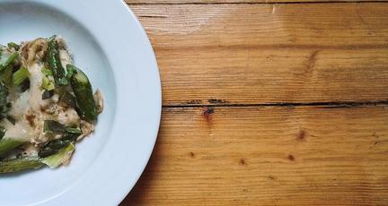 Frittata mit grünem Spargel und Weißwein