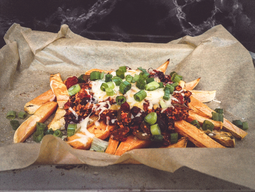 Chili Cheese Sweet Potato Fries ohne Fleisch