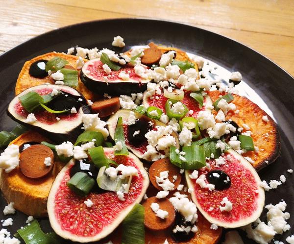 Suesskartoffelsalat mit Feta, Feige und Balsamico
