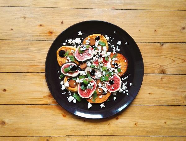 Süßkartoffelsalat mit Feta und Feige