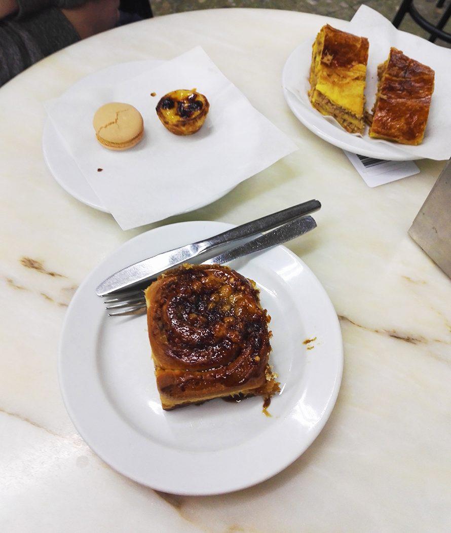 Frühstück im Confeitaria do Bolhão