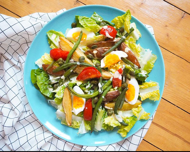 Kartoffelsalat mit Bohnen, Ei und Senfdressing