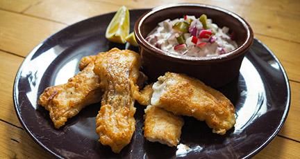 Fisch im Bierteig ohne Fritteuse