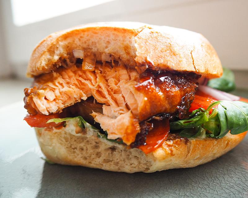 Lachsburger asiatisch