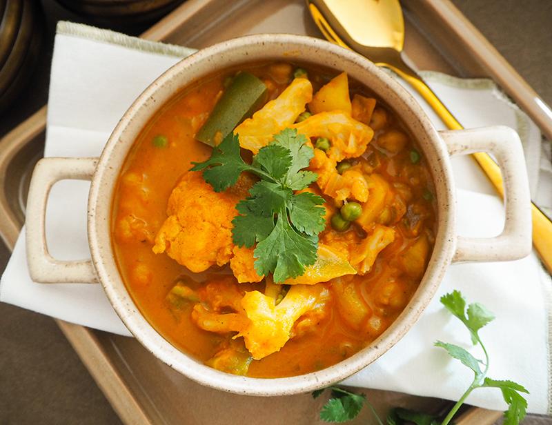Curry mit Blumenkohl und Kartoffeln