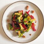 Brokkoliesalat mit Cranberries und Rote Beete