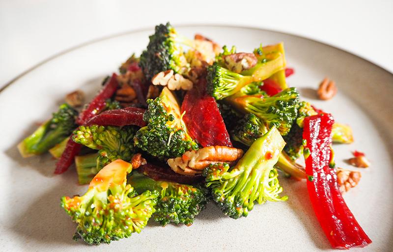 Brokkolisalat mit Cranberries