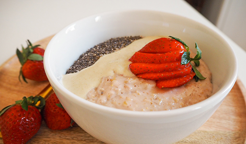 Erdbeer-Porridge mit Vanille
