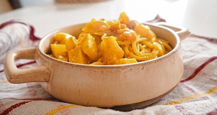 Spaghetti mit Curry-Garnelen und Ananas