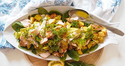 sommersalat zum grillen mit lachs und kartoffeln