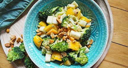 sommersalat zum grillen mit paprika und brokkoli