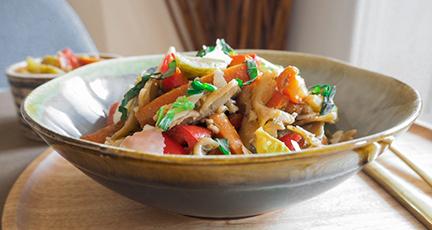 Herbstlicher Nudelsalat mit Röstgemüse