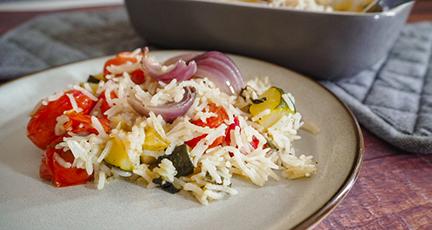 Reis aus dem Ofen mit mediterranem Gemüse