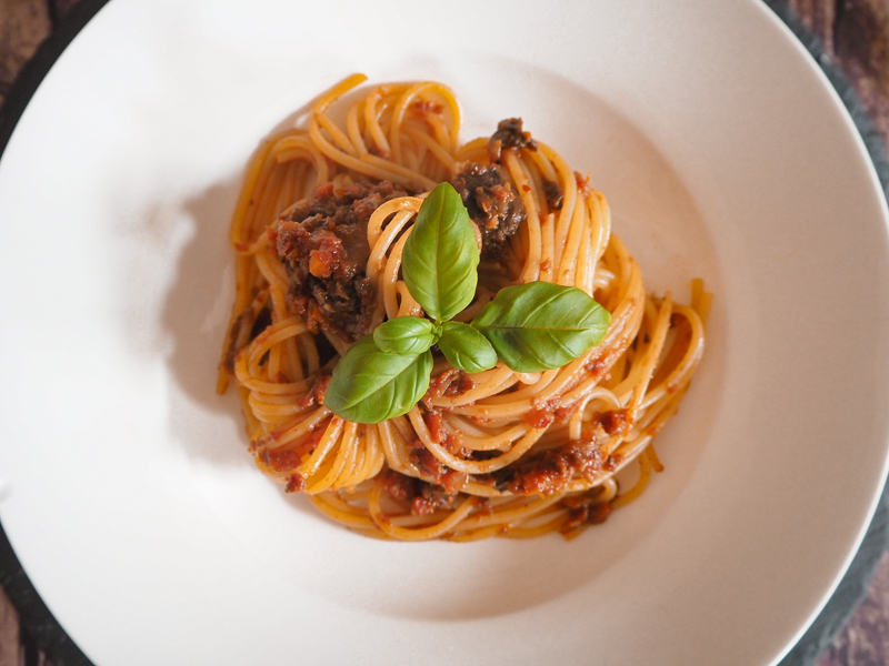 vegetarische bolognese mit champignons