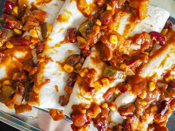 Veggie Enchilada mit Mais und Zucchini