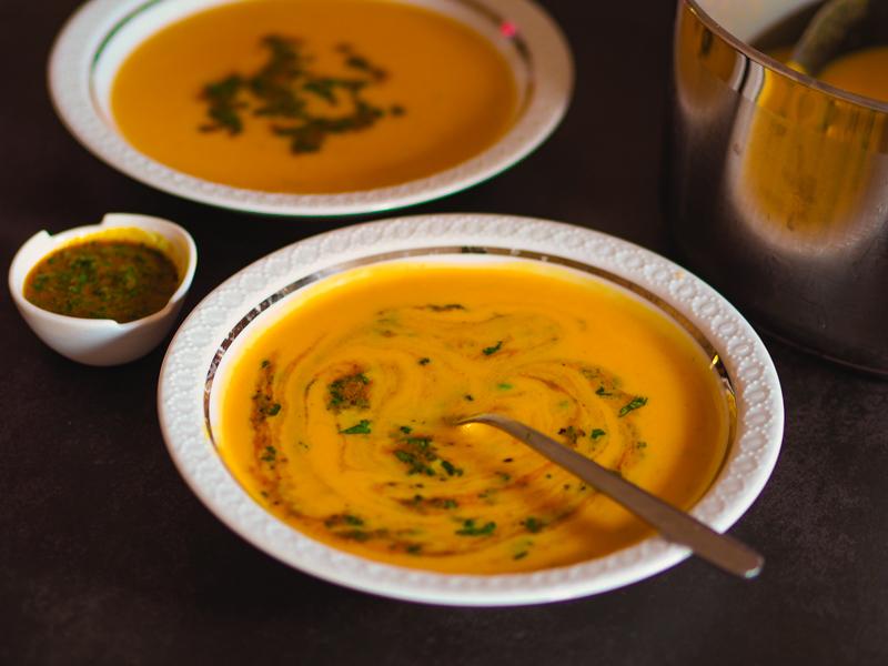 süßkartoffelsuppe mit kokosmilch und curry