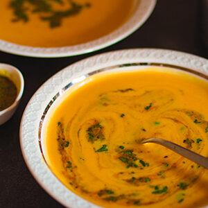 suesskartoffelsuppe mit kokosmilch und curry